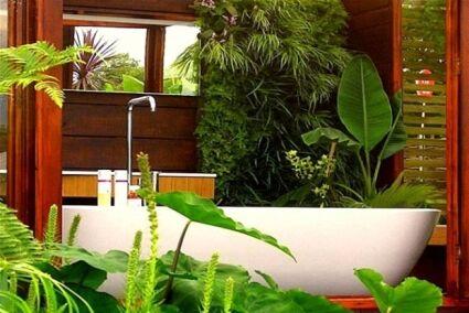 Zöldbe borult fürdőszoba