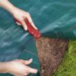 Vágóeszköz talajtakaró fóliákhoz - CUT (piros)