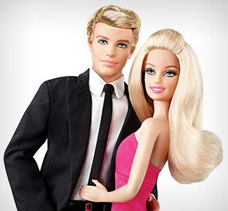 Ken és Barbie - annyira igaziak, mint a műfenyő alakja